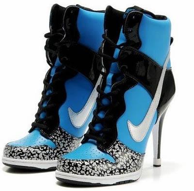 Nike不甘落后 大勾勾高跟鞋无比牛