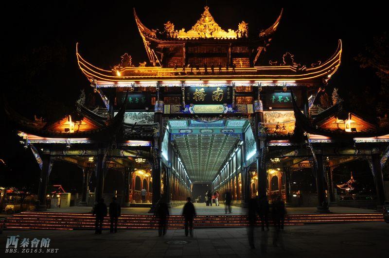 都江堰 南桥夜色图片